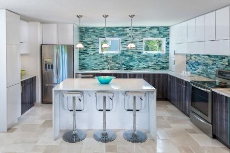 Polygloss kitchen